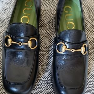 Gucci black leather platform loafer